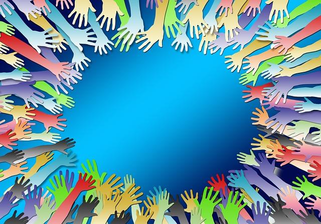 多くの手、助け合う力のイメージ画像