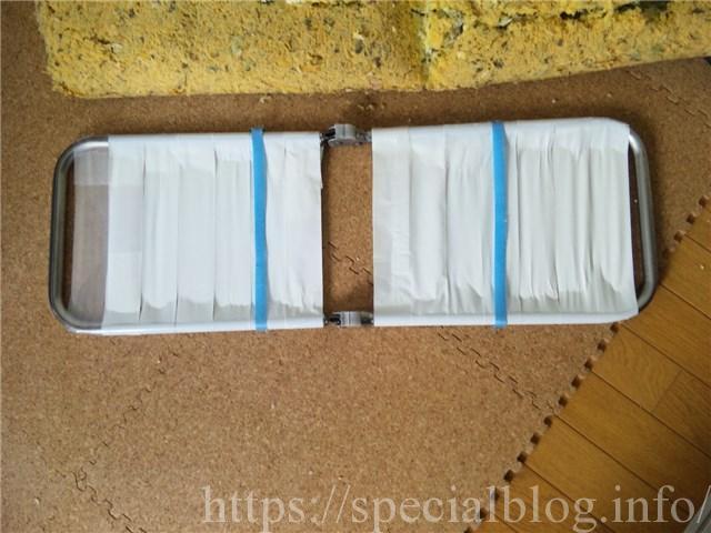 梱包用テープで補強した骨組み