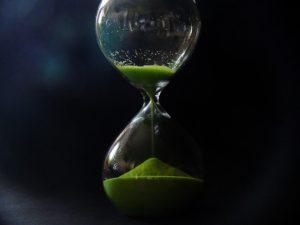 時を刻む砂時計